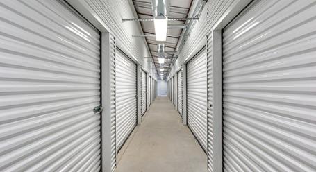StorageMart en Crown Point Ave en Omaha