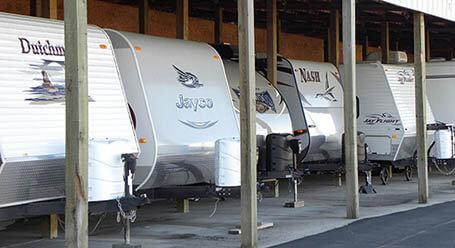 StorageMart en E State St en Eagle,Idaho Parqueo de barcos y RVs