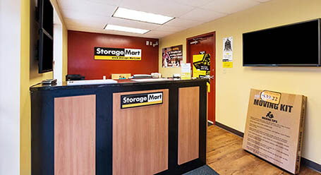 StorageMart on East 14th Street in Des Moines Self Storage Facility
