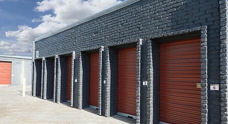 StorageMart en East Florida Street en Springfield almacenamiento accesible en vehículo