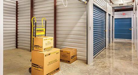 StorageMart on Farewell St in Oshawa Interior Units