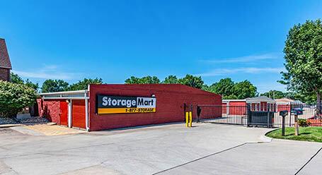 StorageMart en Hickman road en Windsor Heights almacenamiento