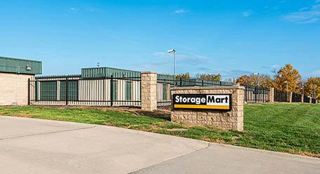 StorageMart on Holmes Road in Kansas City Self Storage
