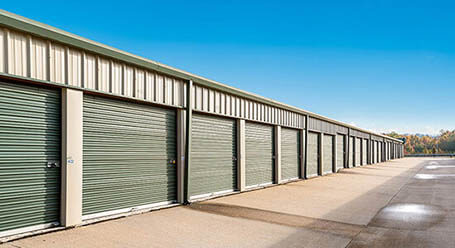 StorageMart on Holmes Road in Leawood Drive-Up Units