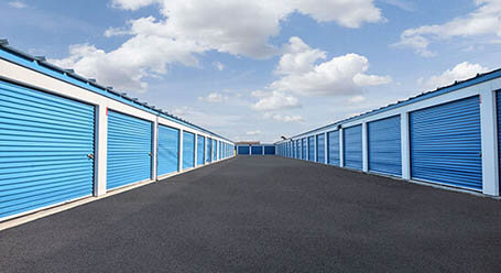 StorageMart on Lauzon Road in Windsor Drive-Up Unit