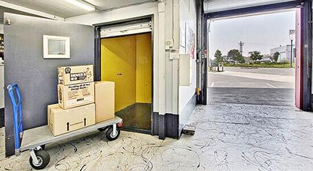 StorageMart on Mandela Parkway in Oakland Covered Loading Bay