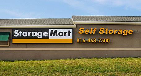 StorageMart en North Oak Trafficway en Kansas City almacenamiento