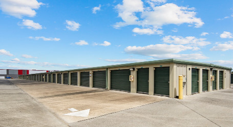 StorageMart on Polo Dr in Melbourne -Drive Up Storage Access