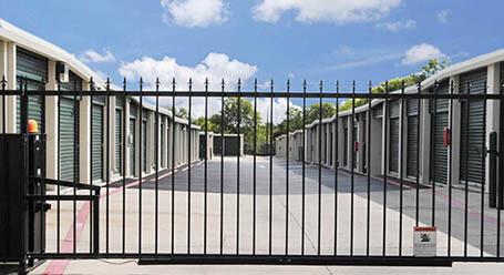 StorageMart en Potranco Road en San Antonio Acceso privado