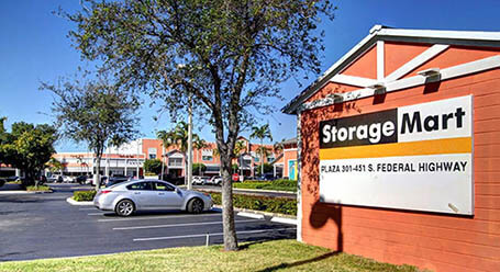 StorageMart on South Federal Highway in Pompano-Beach Self Storage Facility