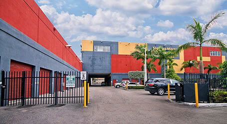 StorageMart on Southwest 40th street in Miami Covered Loading Bay
