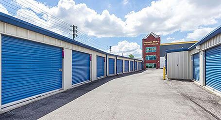StorageMart on Todd Baylis Boulevard in York Drive-Up Units