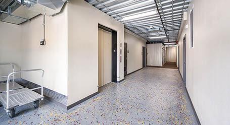 StorageMart en Venture Dr en Waukee Acceso al elevador