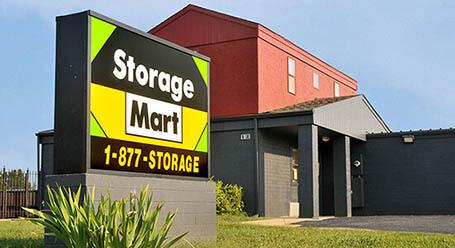 StorageMart en West Dennis Avenue en Olathe Almacenamiento