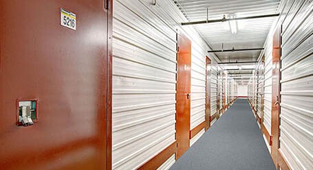 StorageMart sur Boul Sir-Wilfrid-Laurier a St Hubert mini-entrepôt intérieur