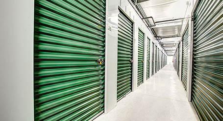 StorageMart sur Montee Masson a Saint Francois entreposage climatisé