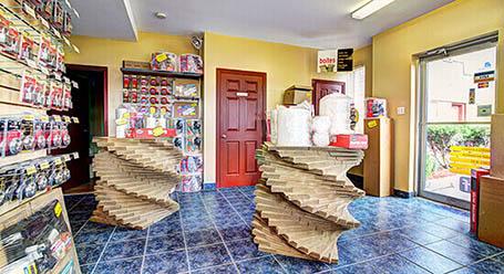 StorageMart sur St Martin O a Laval Chomedey unité d'entreposage