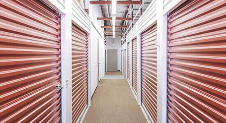 StorageMart sur St Martin O a Laval mini-entrepôt intérieur
